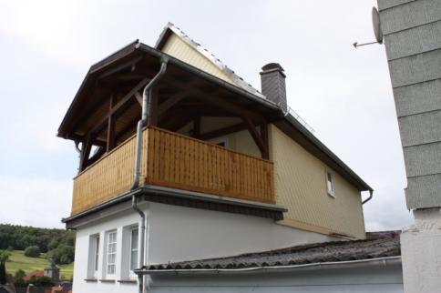 großer gesicherter Balkon